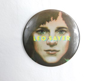 1970's Vintage British Rock and Rock Singer and Songwriter Leo Sayer Large Fan Pin Pinback Button DR-4
