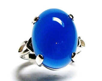 "Agate ring, blue agate ring, agate cabochon ring, solitaire ring, anniversary, bold blue moon, s 6 1/2  ""Blue Moon"""