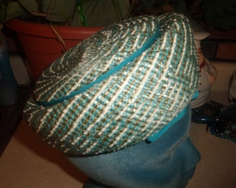 vintage ladies hat turquoise green white straw like