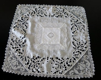 Victorian Linen Cloth White Work Cut Work Embroidery Filet Lace Corners 15 by 15 Inches 856b