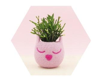 Blush pink cat planter / Cat head planter / Small succulent pot / succulent planter / cat lover gift / cat vase / nursery decor / teacher