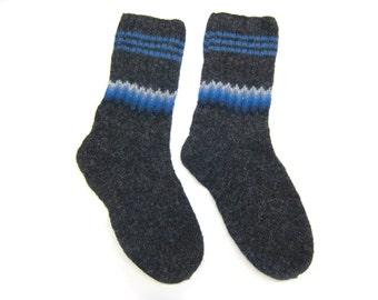 Watercolor Winter Socks hand knit in wool. Size L. Mens.