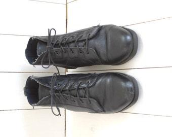 Vintage Dexter black leather laceup ankle boots