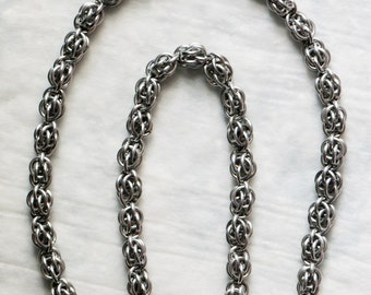 Sweetpea Chainmail Necklace