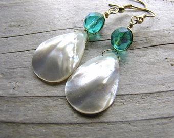 white pearl earrings bridesmaids mother of pearl shell teardrop faceted crystal dainty lovely wedding jewelry