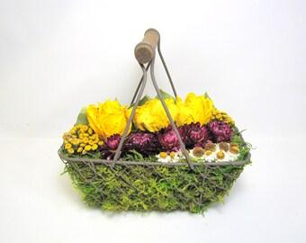 Contemporary Dried Floral Arrangement, Modern Floral Arrangement, Dried Flowers, Floral Art
