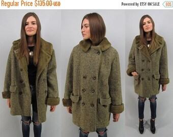 On Sale - Vintage 60s Tweed Coat, Mod Coat, Faux Fur Lined Coat, Heavy Winter Coat, Herringbone Coat Δ size: lg