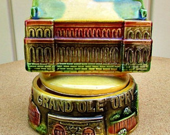 vintage 70s  grand ole opry music box figurine plays tennessee waltz  very detailed