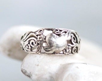 Art Nouveau Ring - Sterling Silver Filigree - Antique Flowers and Leaves Ring Size 5.5