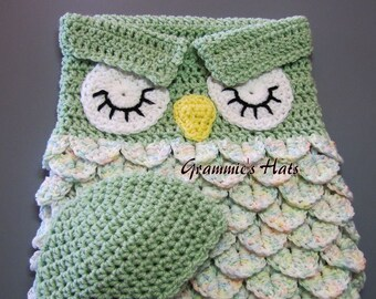Baby owl cocoon in Honeydew green
