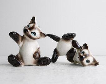 Vintage Kreiss Siamese Cat Salt & Pepper Shakers - Kitschy Ceramic Animal Figurines