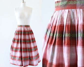 1950s Embroidered Plaid Cotton Skirt / Red Plaid Cotton Skirt / Red and Green / Cotton Pleated Skirt / 1950s High Waist Skirt / 26 Waist