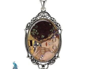 Klimpt The Kiss Oval Filigree Pendant Necklace Art Pendant Photo Pendant Graphic Pendant
