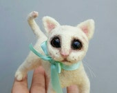 White cat, needle felted kitty, felt cat sculpture, fiber art, curio collectible, big eyes, scared look, one of a kind, creepy cute
