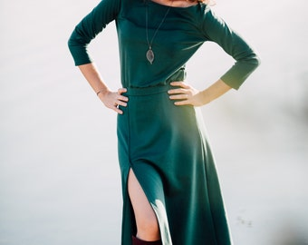 Casual midi green dress with slit