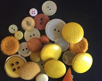 YELLOW Button Lot - 25 Pieces - Bakelite - Vinyl