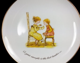 """Vintage Holly Hobbie Plate 1973 """"A Good Example"""" Porcelain Plate / Ready to Hang - Home Decor FREE S&H"""