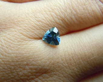Genuine Montana Sapphire Trillion cut 1.06 carat Blue and White Loose Gemstone for Jewelry 6.1 mm
