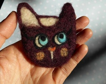 Needle felted cat pin,animal brooches,purple cat,wool cat,miniature cat