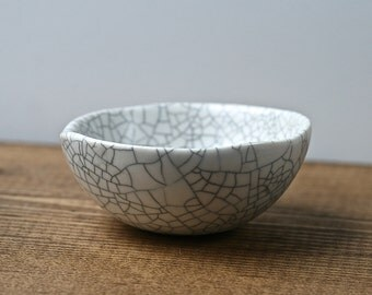 Ceramic snack/decorative bowl, white crackle porcelain dinnerware by Golem, 2016. Minimal rustic kitchen & home decor.