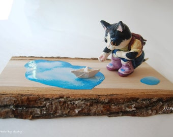 Childhood-Paper Boat - Handcrafted Black and White Cat Clay Figurines,Sculpture,Unique,Cute