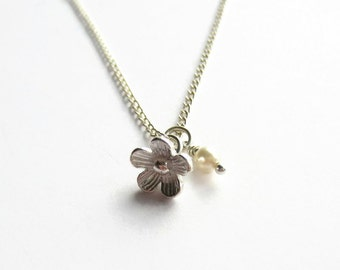 Flower Girl Necklace, Tiny Flower Charm Necklace with Ivory Swarovski Pearl, Daisy Pendant Necklace, Flower Jewelry, Flower Girl Gift