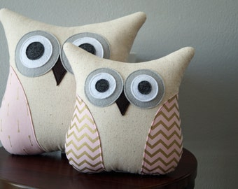 Owl Pillow - Pink and Gold Pillow - Accent Pillow - Girl Decor - Home Decor - Pink and Gold - Chevron or Arrows - Large or Small