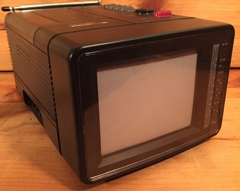 SALE ! Rare COLOR TV Am/Fm Radio Portable Mini Television 1980s Video Game, Prepper, Tiny House, Bedroom w/ Video Input Like New Works Nice!
