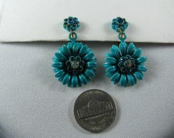 Vintage turquoise rhinestone flower earrings