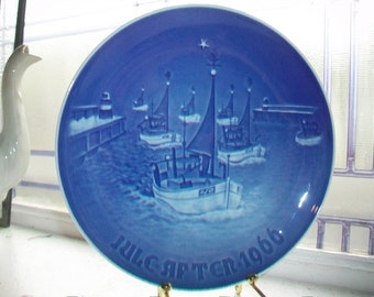 1966 Bing and Grondahl Christmas Plate Home For Christmas Vintage Blue and White Plate