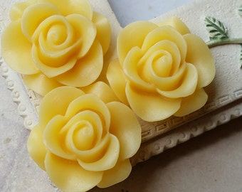 21 mm Yellow Colour Rose Resin Flower Cabochons (.ag)
