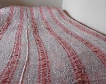 1930s Pink Lace Bed Spread