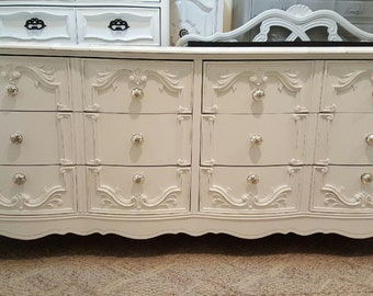 Beautiful Dresser 6 drawers mercury knobs distressed dresser dressers shabby chic hollywood regency french credenza