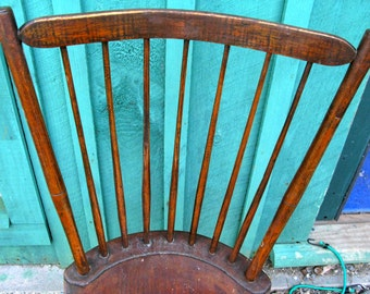 Magnificent Early 19th Century New England Windsor Chair