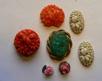 5 Pieces Mixed Vintage Stamped Glass Flower Floral Cabochons (S-16-493)
