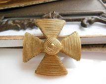 Vintage Accessocraft NYC Gold Tone Maltese Cross Estate Brooch Pin Pendant UU18