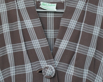 1950s brown check wiggle dress with button