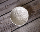 Ring Holder - Handmade Trinket Dish - Stamped with Tropical Floral Pattern - Speckled Ivory Glaze - Handmade - Gift for Girlfriend / for Mom