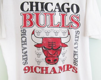 vintage t shirt / Chicago Bulls shirt / 90s sportswear / Michael Jordan / 1990s Chicago Bulls 1991 NBA Champs Large