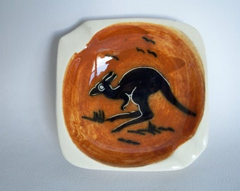 Instant collection Australia Ashtray and Kangaroo