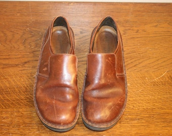 Size 9,Leather womens loafers, womens loafers,mens loafers,loafers 9,loafers 7,loafers size 7,loafers size 9,leather loafers,leather slip on