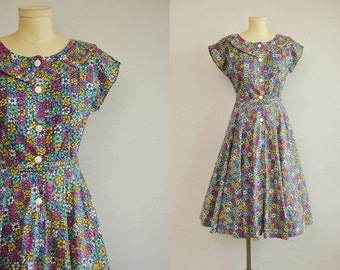 Vintage 1950s Dress / 50s Floral Batik Block Print Cotton Housedress with Circle Skirt and Belt / Blue Berry