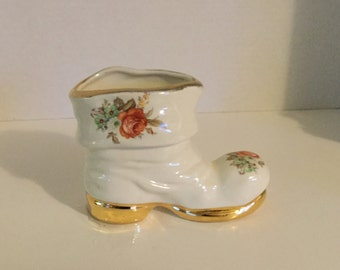 Vintage Shoe Planter,Boot Planter,,Hens and Chics