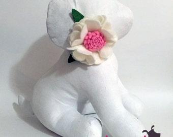 White and Light Pink Felt Flower Collar Accessory