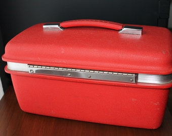 Samsonite Makeup Case Vintage Cherry Red Train Case Joan Holloway Mad Men Box Travel Makeup Bag Retro Hipster Kitsch Burlesque  Accessories