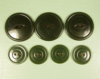 Green Bakelite Buttons - Vintage Dark Forest Sew Through