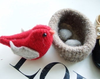 Wool Bird | Bird with Nest and Eggs | Eco Christmas Gift | Ellie Ann and Lucy