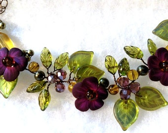 Green and Purple Flower Necklace, Green Purple Garden Necklace, Purple Vine Necklace, Woodland Wedding Jewelry, Nature Jewelry N458