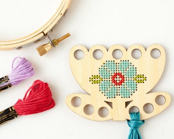 Tulip thread keep diy kit embroidery floss organizer