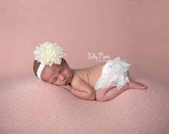 NEWBORN BLOOMERS, Baby Bloomers and Headband, Ivory Bloomers and Headband, Ivory Bloomer Set, Ivory Lace Bloomers, Newborn Photo Prop